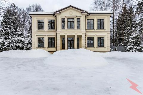 Продаю Коттедж , 450 кв.м , Кирпичный, Одинцово