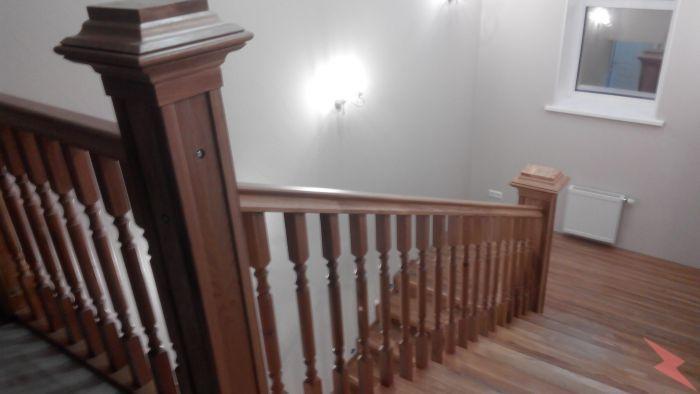 Лестницы из массива а также отделка бетонных лестниц,  Барнаул