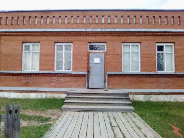 Продам кирпичный магазин и дом все в одном здании, Мотыгино