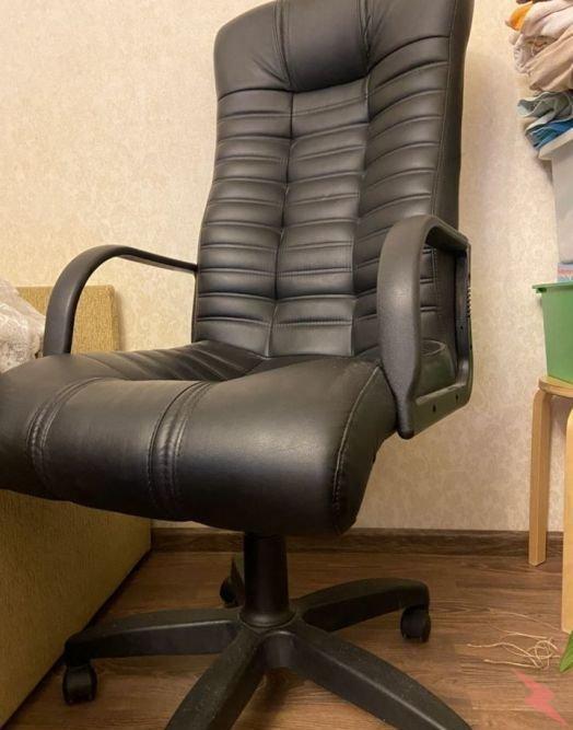 Новое кожаное кресло, срочно, возможна доставка, Екатеринбург