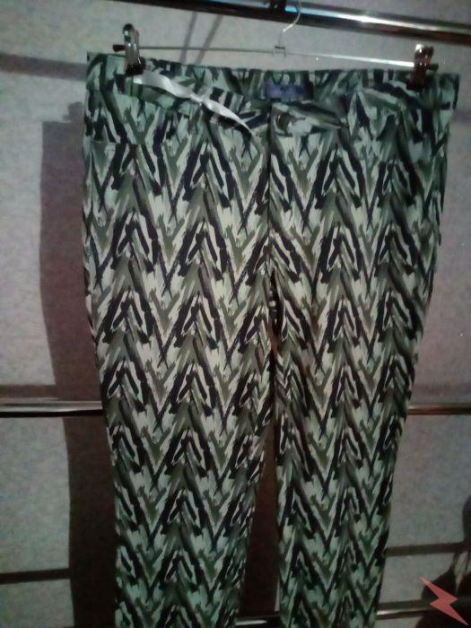 Продаю новые брюки женские цвет хаки, Волгоград