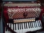 В продаже концертный аккордеон Horch