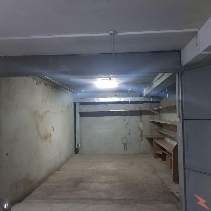 Продам гараж рядом с ТЦ Магеллан, Тюмень