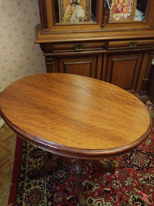 Антикварный овальный стол. Орех. 19 век., МОСКВА
