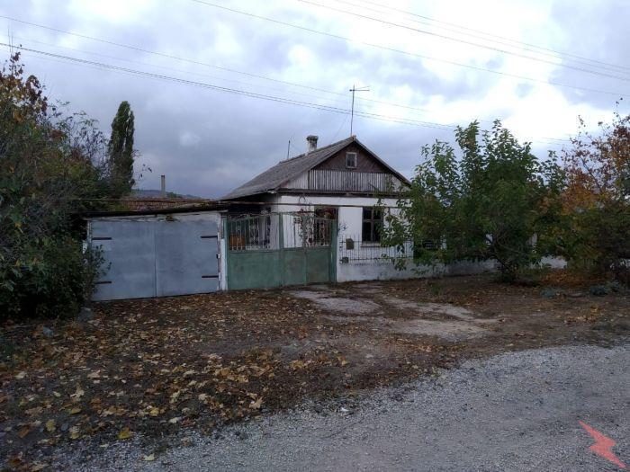 Продаю Дом , 65 кв.м , Кирпичный, Симферополь