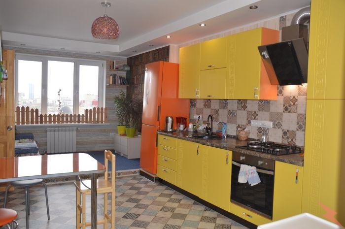 Продаю 3-комнатная квартиру, 106 кв м, Саратов