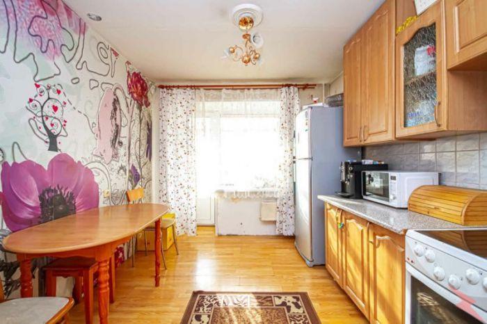 Продаю 2-комнатная квартиру, 71 кв м, Новосибирск