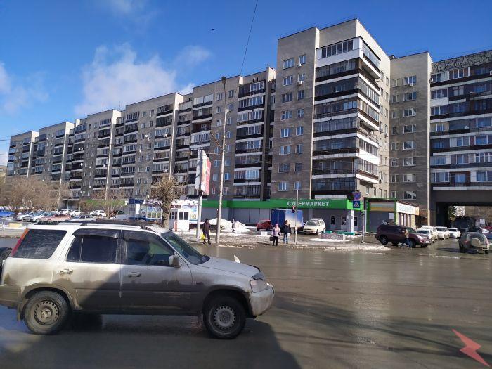 Девушкам, студенткам сдаётся комната в 2-комн. к-ре.,  Новосибирск